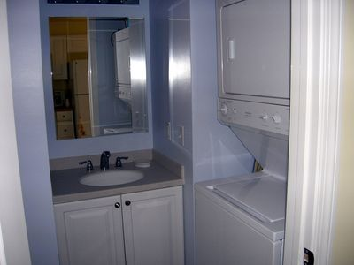 Wells cottage rental - Bathroom washer and dryer