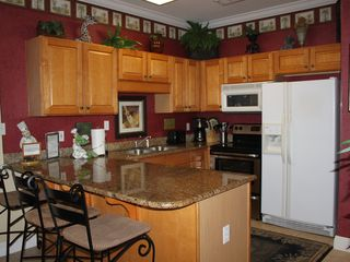 Fort Walton Beach condo photo - Kitchen with granite tops