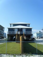 Gulf Shores house photo - View of both Pet-Friendly Yards