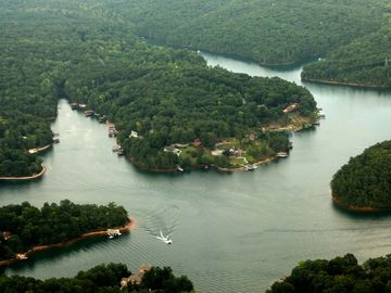 Silver View Cottages are located on Witcher Creek on Smith Mountain Lake