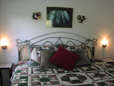 New Braunfels house rental - Second king bed with TV and ceiling fan.