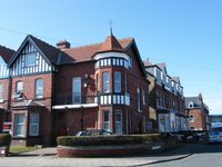 Spacious first floor apartment in Whitby with a sea view near the beach and center
