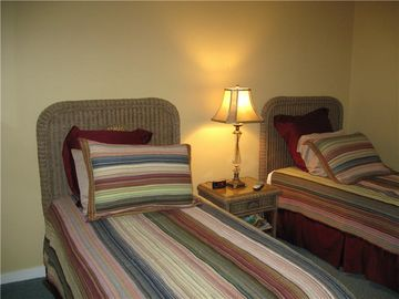 Guest BR has twin beds and adjoining private bath.