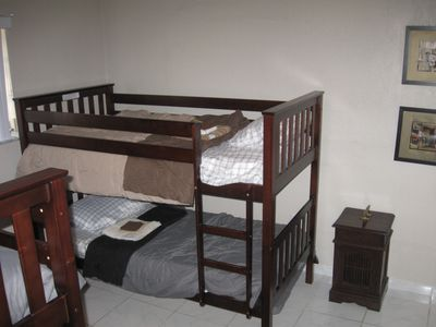 Kids room with bunk-beds, sleeps four