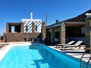 Kea villa photo - pool & BBQ area