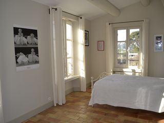 Aix-En-Provence house photo - One of the double bedrooms
