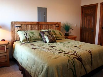 Branson lodge rental - Bedroom 6 (Basement Right)