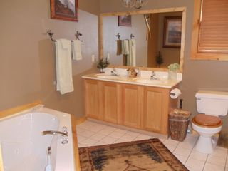 Branson cabin photo - Bathroom #2. Jetted tub. Shower, Double sinks.