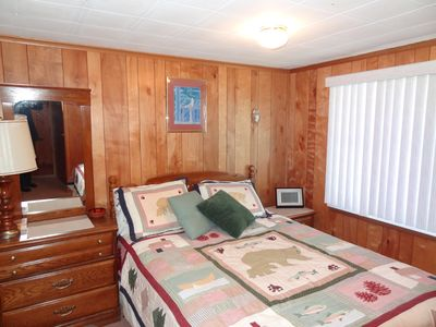 Lake Wallenpaupack house rental - MASTER BEDROOM- QUEEN SIZE BED