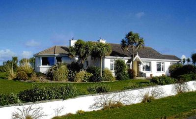Large scenic 3 bed cottage close to golf, beach, marina with free WiFi