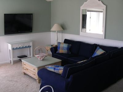 Living Room - The only (largest) 3br/2ba available for rent in Merrimac Condo