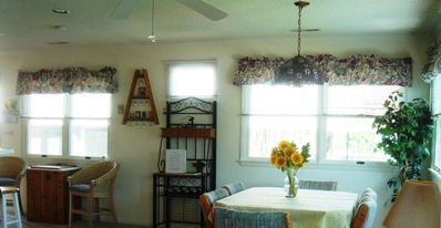 South Bethany Beach house rental - family room with checkers table and table seating for 6
