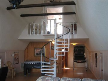 Loft with 4 Double Beds - Great for Younger Visitors