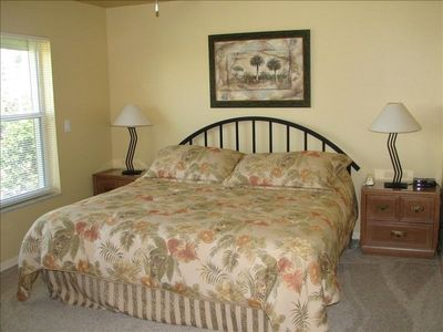 Master Bedroom w/King bed, TV, walkin closet, bath, view to gulf