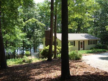 Anderson house rental - Lakefront relaxation on the sundeck or dock, 2 quiet wooded acres!.