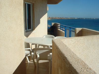 Apartment facing the sea, on the sandy beach with 320 days of sunshine per year