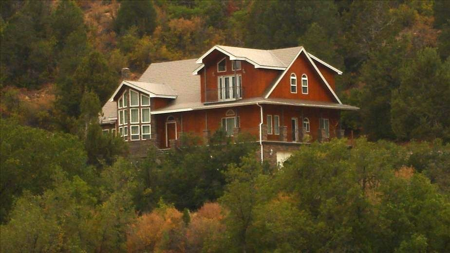 Mountain home nestled in lydia 39 s canyon vrbo for Vacation rentals near zion national park