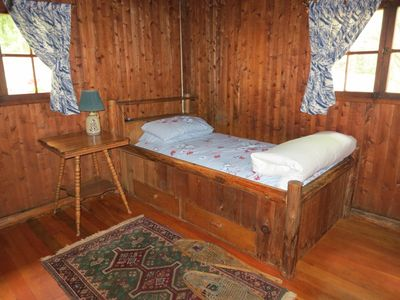 2nd bedroom with built in twin log bed