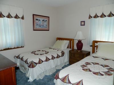 Huddleston chalet rental - Main Level Bedroom