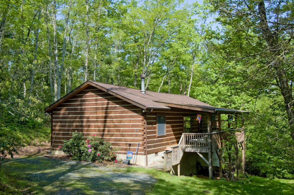 Check out our low winter rates specials vrbo for Boone ski cabin rentals
