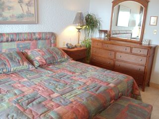 Grand Cayman condo photo - Second bedroom with King Size bed
