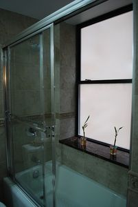 Midtown Manhattan condo rental - Bathroom