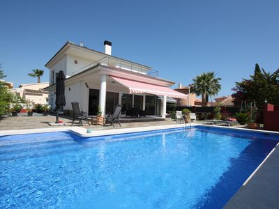 Modern luxury villa with 3 bedrooms, office, heated pool