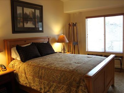 Queen Guest Bedroom and Dresser - comfortable mattresses!