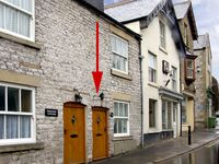 EXCHANGE COTTAGE, family friendly in Tideswell, Ref 2422