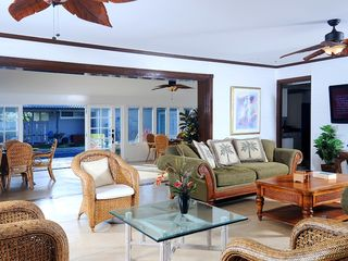 Kailua house photo - Open living spacious with large sliding doors