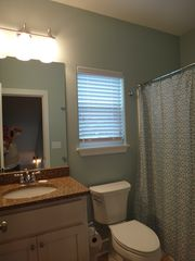 Mexico Beach house photo - Bath shared by twin & bunk rooms