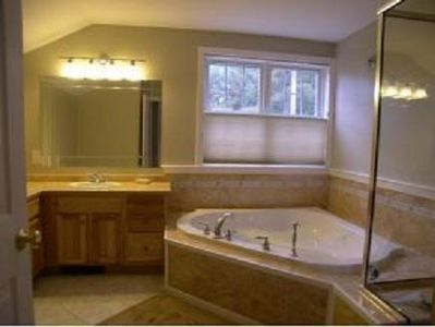 Full Bath with Jacuzzi Tub