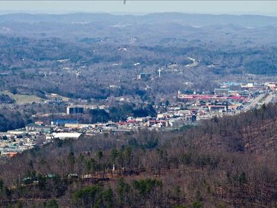 Look out over the city of Pigeon Forge from this cabin!