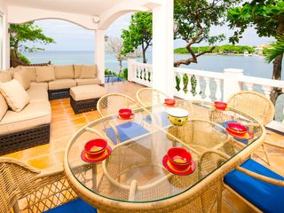 Al fresco dining on patio - Roatan villa vacation rental photo