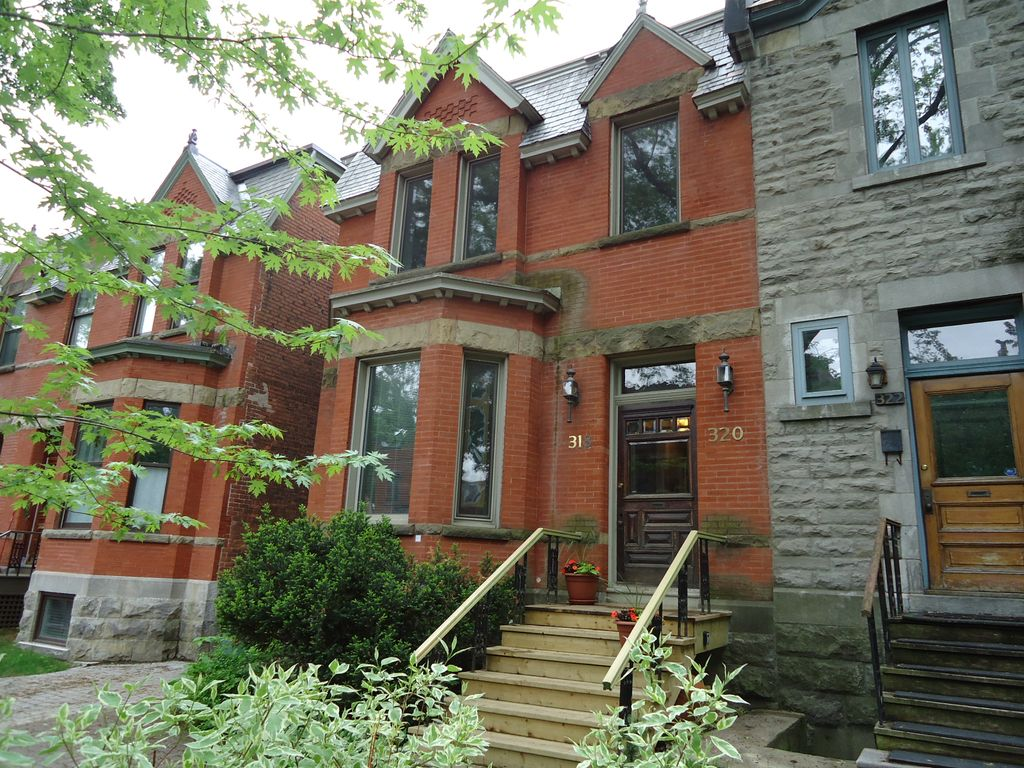 Charming townhouse with 3 apartments homeaway westmount for Cabin rentals near montreal