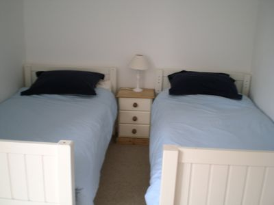 Kingsbridge barn rental - Twin Bedroom