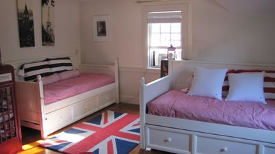 British Bedroom (This room can sleep 4) These beds are trundle beds. Bedroom#3