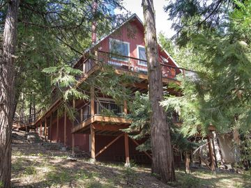 Long Barn cabin rental - Three stories of luxury fun! ...minutes to Pinecrest Lake!