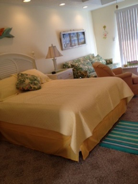 Cozy Condo Steps Away From the Beach in Ocean City, Maryland