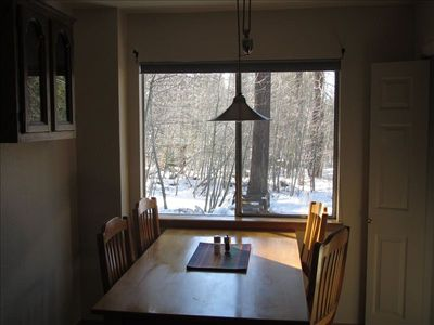 Heavenly Valley cabin rental - Kitchen dining area