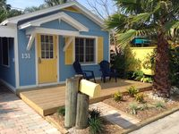 Cozy, Adorable Key West style beach cottage just steps to the pristine Sands!