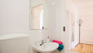 Baixa apartment photo - Fully equipped bathroom with tub, toilet and bidet