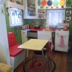 Seven Springs cottage photo - Kitchenette