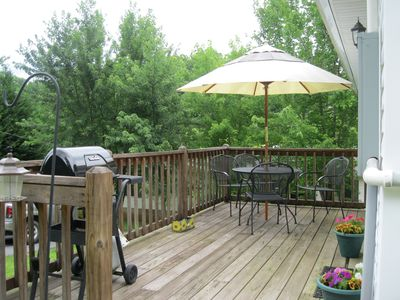 Bryson City cottage rental - Side deck w / gas grill