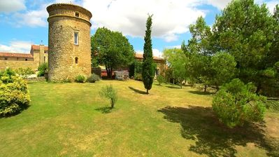 The TILLEUL, cottage of charm between Toulouse and Carcassonne, lake and PRIVATE POOL