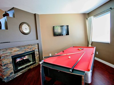 Pool Table with LCD HD-TV