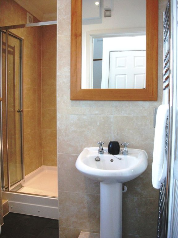Come in off the beach into the Double Shower Room