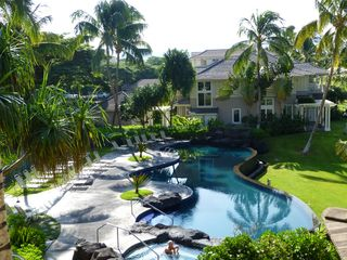 Waikoloa Beach Resort condo photo - A view of the infinity pool and spa