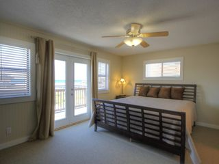 Santa Rosa Beach house photo - Master bedroom with adjoining bathroom