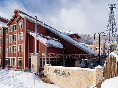 Located at the base of historic Main Street, near the Downtown Ski Lift Plaza.
